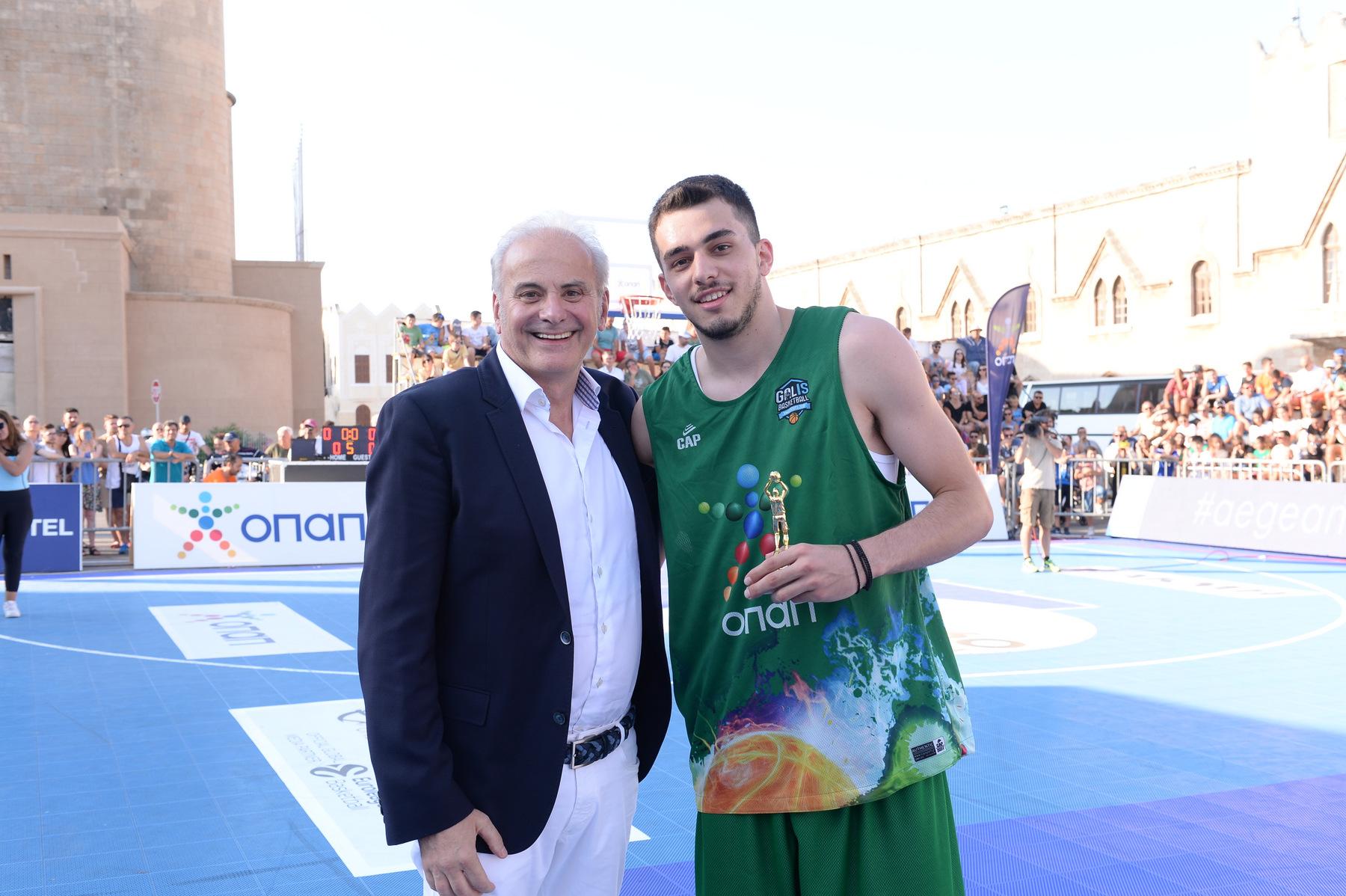 GalisBasketball 3on3: Δείτε πως ο Κωνσταντίνος Παπαδάκης θριάμβευσε στο διαγωνισμό τριπόντων! (video)